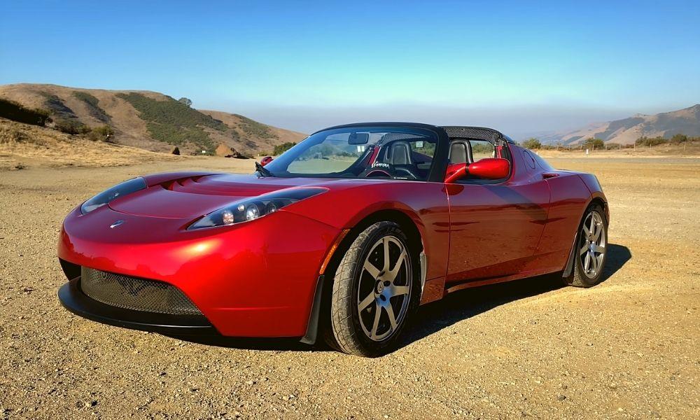 электромобиль Tesla Roadster 1