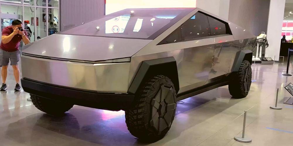 фото Tesla Cybertruck