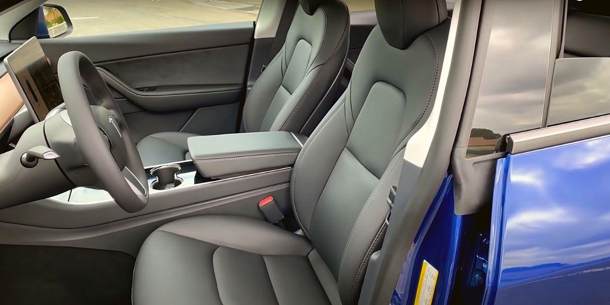 сиденья водителя и пассажира