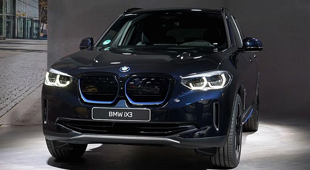 Электромобиль BMW iX3