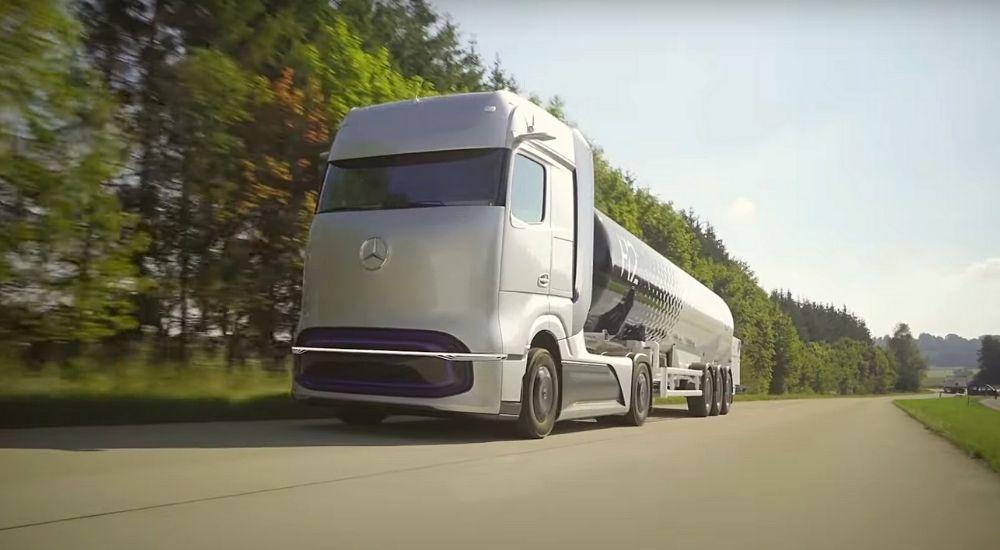 Водородный грузовик Mercedes-Benz Gen H2