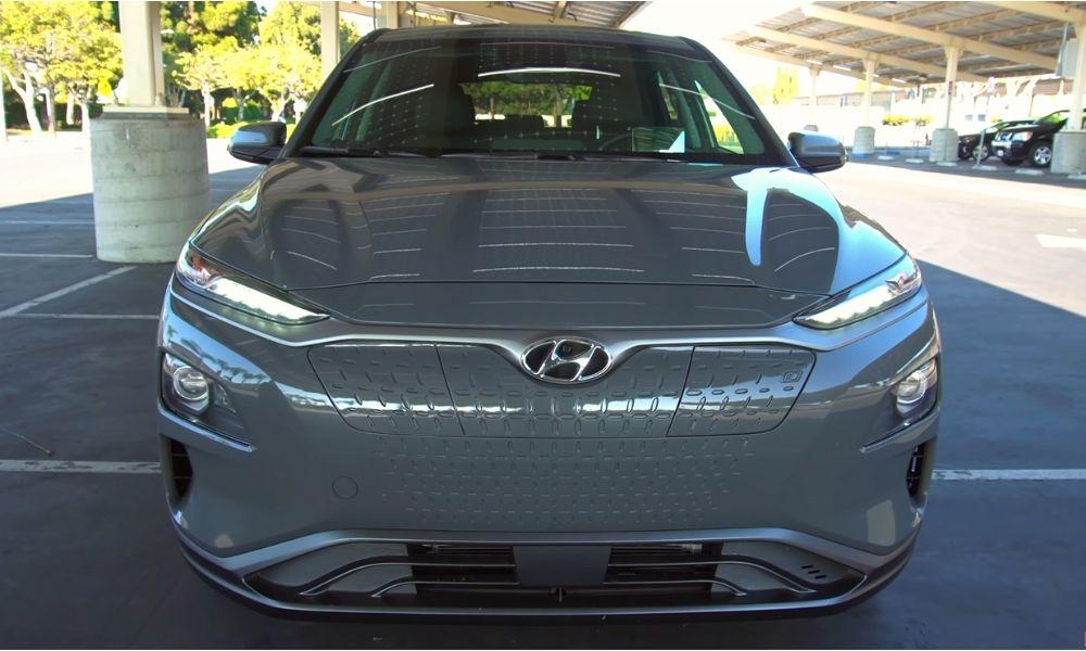 Вид спереди фото Hyundai