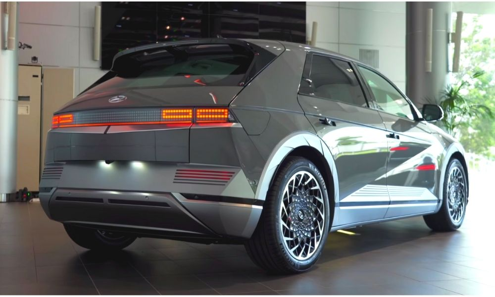 вид сзади Hyundai Ioniq 5