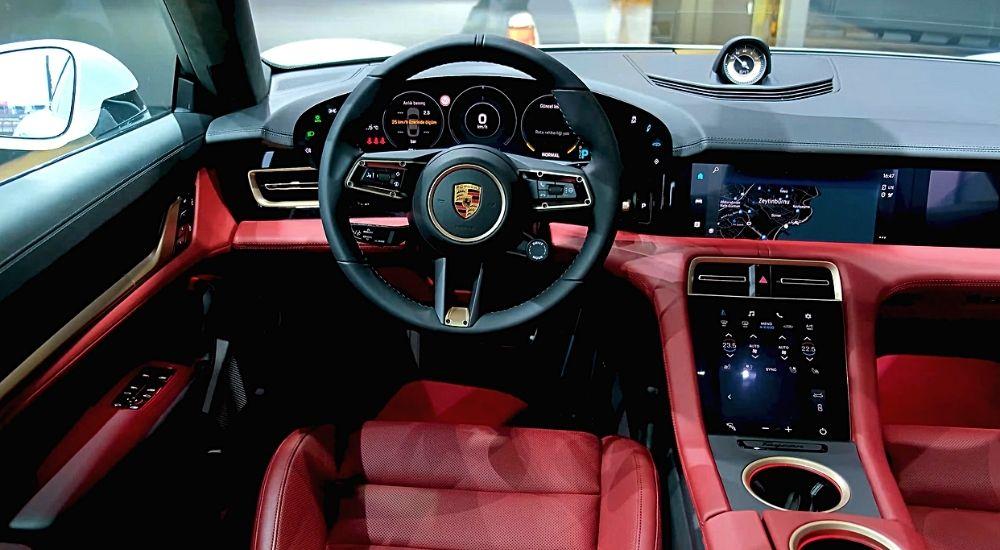 Центральная консоль Porsche Taycan