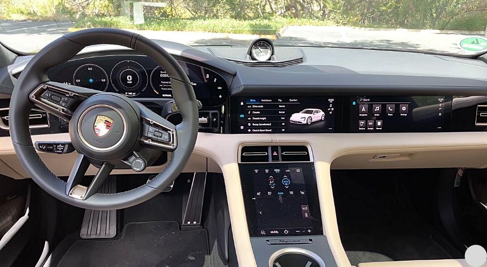 фото Центральная консоль Porsche