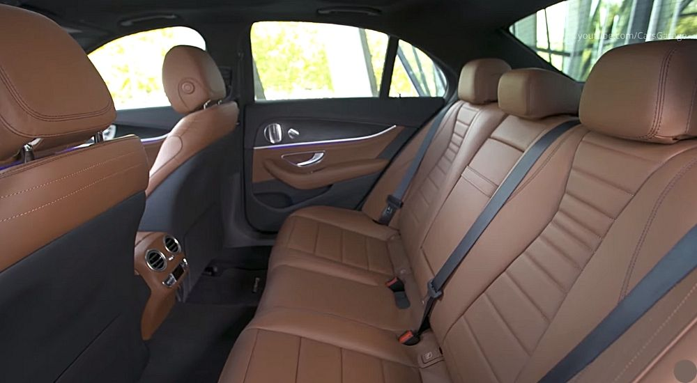салон фото Mercedes E 300 de