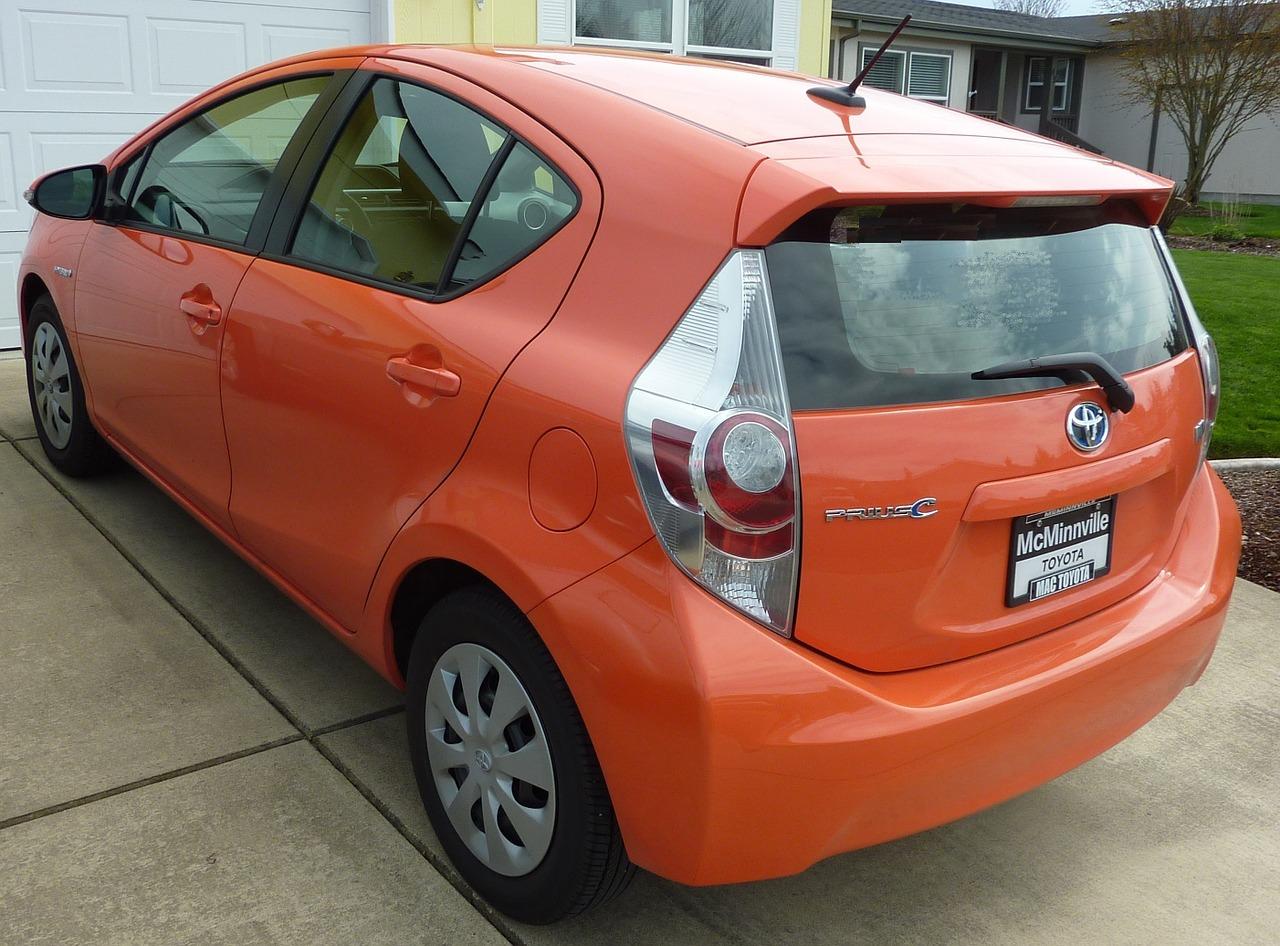 Гибридный автомобиль Toyota